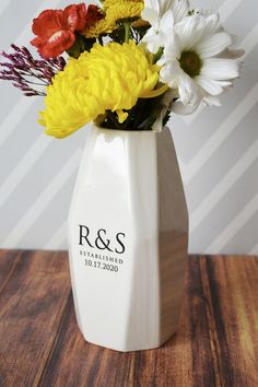 This ceramic modern geometric vase would be a great engagement,  wedding housewarming or anniversary gift It's made of earthenware clay  and you can add initials and wedding date or a monogram and wedding  date. #weddingdecor #weddingdecoration #engagementgift #bridalshowergift   #vase #personalizedvase #ceramicvase #weddingvase #anniversaryvase  #weddinggift #weddingcenterpeice #anniversarygift