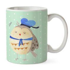 Tasse Eule Matrosen aus Keramik  Weiß - Das Original von Mr. & Mrs. Panda.  Eine wunderschöne spülmaschinenfeste Keramiktasse (bis zu 2000 Waschgänge!!!) aus dem Hause Mr. & Mrs. Panda, liebevoll verziert mit handentworfenen Sprüchen, Motiven und Zeichnungen. Unsere Tassen sind immer ein besonders liebevolles und einzigartiges Geschenk. Jede Tasse wird von Mrs. Panda entworfen und in liebevoller Arbeit in unserer Manufaktur in Norddeutschland gefertigt.     Über unser Motiv Eule Matrosen…