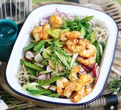 Grilled prawns with snow peas, asparagus and noodle salad - Healthy Food Guide Summer Salad Recipes, Healthy Prawn Recipes, Healthy Salads, Healthy Food, Grilled Prawns, Uk Recipes, Noodle Salad, Asparagus Recipe, Fish Dishes