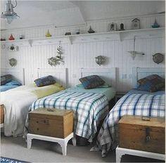 Beautiful coastal bunk rooms with seaside touches. Coastal beach house bunk rooms with nautical style. Home Bedroom, Girls Bedroom, Garage Bedroom, Bedroom Beach, Upstairs Bedroom, Bunk Rooms, Shared Bedrooms, Shared Kids Rooms, Boys Shared Bedroom Ideas