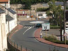 Rond-point à Pithiviers (45) des Rouloirs.