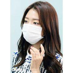 2015.06.12 Park Shin Hye at International Airport in Hong Kong