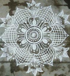 35 Best Mandala Rangoli designs to try - Wedandbeyond Indian Rangoli Designs, Simple Rangoli Designs Images, Rangoli Designs Latest, Rangoli Designs Flower, Rangoli Border Designs, Rangoli Patterns, Rangoli Ideas, Rangoli Designs With Dots, Beautiful Rangoli Designs