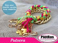 Para hoy esta linda pulsera en colores con cadena y Pewtter, deseamos que tengan un excelente #Jueves