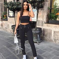 Chic mix feminine garments in 2019 outfit ideen, anziehsache Fashion 101, Fashion Outfits, Womens Fashion, Casual Outfits, Cute Outfits, Lauren, Two Piece Outfit, Pulls, Spring Outfits