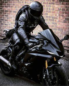 Motos Yamaha, Yamaha Motorcycles, Yamaha Yzf R6, Sport Motorcycles, Motorcycle Outfit, Motorcycle Bike, Motorcycle Quotes, Super Bikes, Triumph Sports Bike