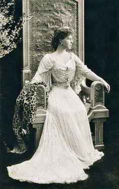 Queen Marie of Romania. Princess Victoria, Queen Victoria, Maud Of Wales, Romanian Royal Family, European Dress, Princess Alexandra, Royal Blood, English Royalty, Royal Fashion
