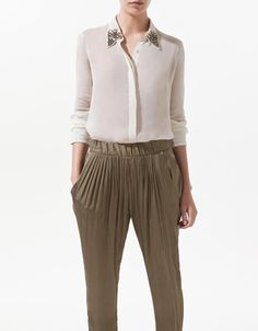 BLOUSE WITH APPLIQUÉS ON THE COLLAR - Woman - New this week - ZARA United States