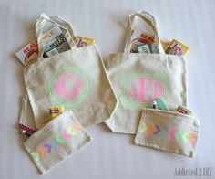 Glitter Vinyl Gift Totes - Addicted 2 DIY  A great gift idea!  Pin now, make later.  #giftideas #vinyl