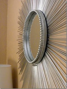 DIY Sunburst Mirror - with some tweaking. Just need to hang it on the wall. Diy Wall Art, Diy Art, Decor Crafts, Home Crafts, Home Decor, Sun Mirror, Mirror House, Starburst Mirror, Creation Deco
