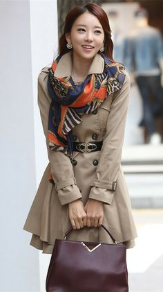 Classic, ladylike trench coat. Korean fashion