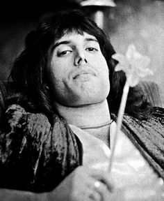 Love this picture of the one and the only Freddie Mercury. Freddie-mercury RARE by Queenfan124