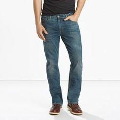 A modern take on bootcut jeans originally designed to fit over cowboy boots, the 527™ Slim Bootcut Jeans have a straight fit through the hip and thigh and a slightly slimmer bootcut leg opening.