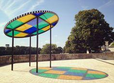 Kiosque attrape-soleil - Structure en composites, sur une oeuvre de Daniel BUREN.