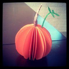 Cute paper pumpkin