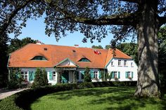 Wiejska rezydencja Country Home Exteriors, Country Houses, Country Estate, Lany, Farm Gardens, Home Fashion, Exterior Design, Homesteading, Teak