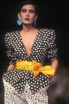 colors Cristina Cordula wearing Emanuel Ungaro W/S photo by Guy Marineau Dots Fashion, 80s And 90s Fashion, Retro Fashion, Pink Fashion, Vintage Fashion, Guy Fashion, Style Année 80, Style Retro, 20th Century Fashion