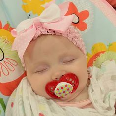 Meredith Duggar (4th child of Josh and Anna Duggar) at 4 months old