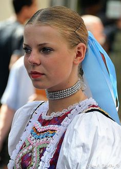 Parchovany village, Zemplín region, Eastern Slovakia. Ballet Folklorico, Costumes Around The World, Beauty Around The World, Beautiful Costumes, Ethnic Dress, Culture, Folk Costume, People Of The World, Traditional Dresses