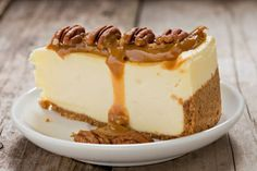 Salted caramel cheesecake Today I present the legendary Ch .- Cheesecake al ca. Pecan Cheesecake, Key Lime Cheesecake, Salted Caramel Cheesecake, Caramel Pecan, Desserts Thermomix, Kolaci I Torte, Ice Cream Toppings, Salty Cake, Savoury Cake