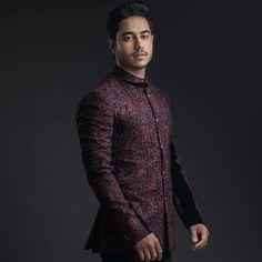 Groom Wear, Men Sweater, Sweaters, How To Wear, Blue, Fashion, Moda, Fashion Styles, Sweater For Men