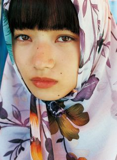 Before the big bang all the atoms in the universe were smashed together into one little dot that exploded outward. Aesthetic Japan, Aesthetic People, Aesthetic Photo, Japanese Models, Japanese Girl, Nana Komatsu Fashion, Komatsu Nana, Pose Reference Photo, Face Hair