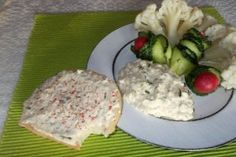 Salata de conopida cu maioneza, usturoi si marar verde Chicken, Meat, Food, Green, Salads, Essen, Meals, Yemek, Eten