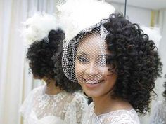 Mais penteados para #noivas negras http://enfimnoivei.com/penteados-noivas-morenas/ #enfimnoivei