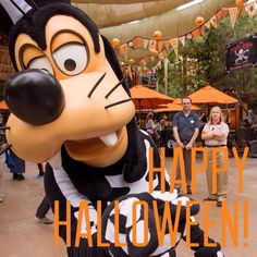 Happy Halloween!!! Halloween Time At Disneyland, Disney Halloween Parties, Halloween Bags, Disneyland Trip, Holidays Halloween, Scary Halloween, Disney Trips, Happy Halloween, Disney Villains