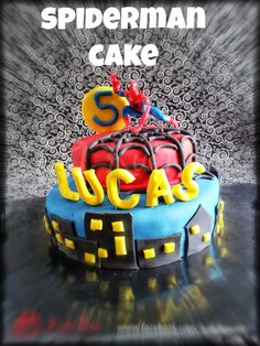 Kuki Box - Spiderman Cake - Tarta fondant motivo Spiderman #spiderman #cake #fondant #superheroes