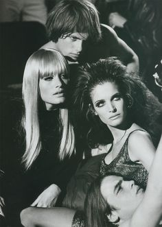 Stephanie Seymour and Amber Valetta as the Warhol crowd. Photographed by Peter Lindbergh in 1995 for Bazaar.