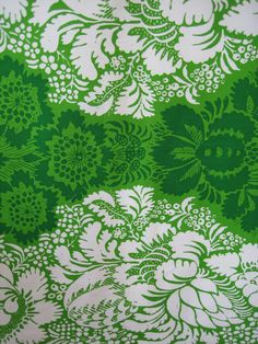 1963 vintage Marimekko - ANANAS design fabric - Maija Isola - Finland - wall hanging - quilting - green // Empress of Style Textile Patterns, Textile Design, Color Patterns, Fabric Design, Print Patterns, Pattern Design, Marimekko, Pattern Illustration, Vintage Textiles