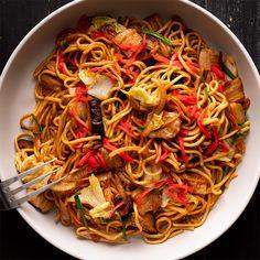 Yakisoba (Japanese Stir-fried Noodles) - Marion's Kitchen