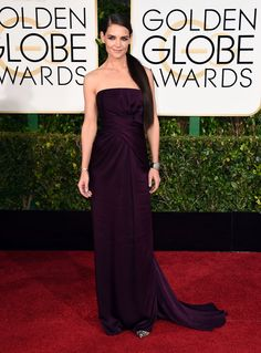 Katie Holmes in a burnt-aubergine Marchesa at the #GoldenGlobes2015 #redcarpet