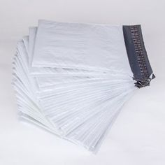 Variety of wholesale poly mailers, Poly bubble mailers