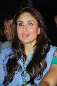 Kareena Kapoor Latest Beautiful Pics In Blue Dress