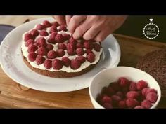 Nahá torta so sezónnym ovocím - Melina