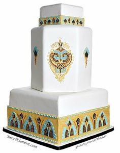 Egyptian-inspired wedding cake with beautifully piped detail by designer/artist Jen Roberts, owner of Sweet Element in East Orange, New Jersey. Beautiful Wedding Cakes, Gorgeous Cakes, Pretty Cakes, Amazing Cakes, Deco Wedding Cake, Indian Wedding Cakes, Indian Weddings, Indian Cake, Art Deco Cake