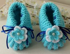 Hand Knitting Pastel Blue  Baby Shoes / Baby by BYBERRDESIGNS, $15.00