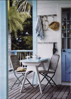 very cute on porch or screened room