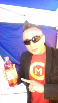 Disco Polo... Czadomen autor i wykonawca słynnego przeboju Ruda tańczy jak szalona, pije przed koncertem Oranżadę PRL