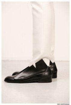 Raf Simons s/s 09  http://www.creativeboysclub.com/tags/shoes