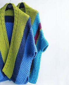 30 New Ideas Knitting Shawl And Wraps Easy Summer Knitting, Easy Knitting, Knitting For Beginners, Knitting Room, Knitting Socks, Knitted Poncho, Knitted Shawls, Crochet Cardigan, Knit Crochet