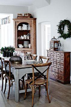A Tasmanian home's rustic dining room. Photographer: Mark Roper