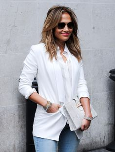 Jennifer Lopez- Simplicity is key! Jennifer Lopez, Summer Outfits, Summer Clothes, Casual Chic, Classy, Glamour, Celebrities, Coat, Womens Fashion