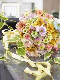 Die Chrysantheme überzeugt als Brautstrauß - www.tollwasblumenmachen.de