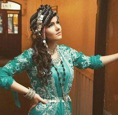 Beautiful Kurdish Dress and traditional Headgear.