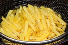 Pommes selber machen Fritteuse Celery, Macaroni And Cheese, Food And Drink, Vegetables, Tableware, Ethnic Recipes, Kitchen, Apple, River