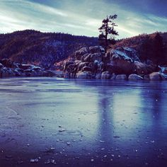 A frozen shot of Big Bear Lake. Photo courtesy of rizaidolkill on Instagram.