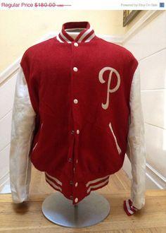 SALE Vintage Philadelphia Phillies Baseball by DeNuevoVintage, $153.00 - If it wasn't so expensive...It'd be mine. Gaaah ♥